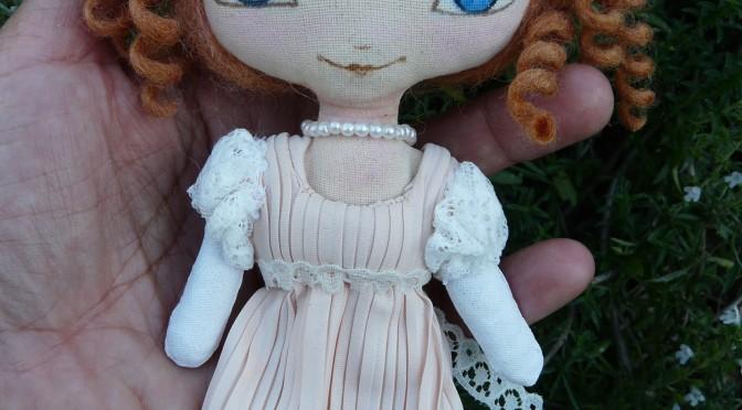 nouvelle petite doll