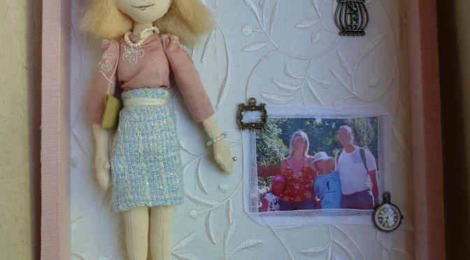 cadre scrapbooking doll