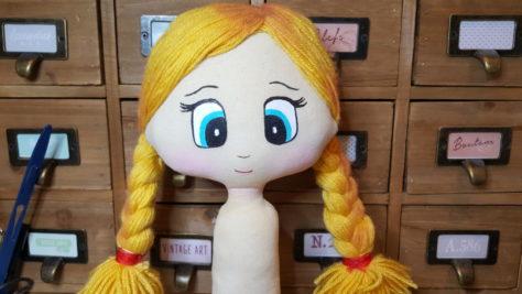poupée julia et le lutin d'eau